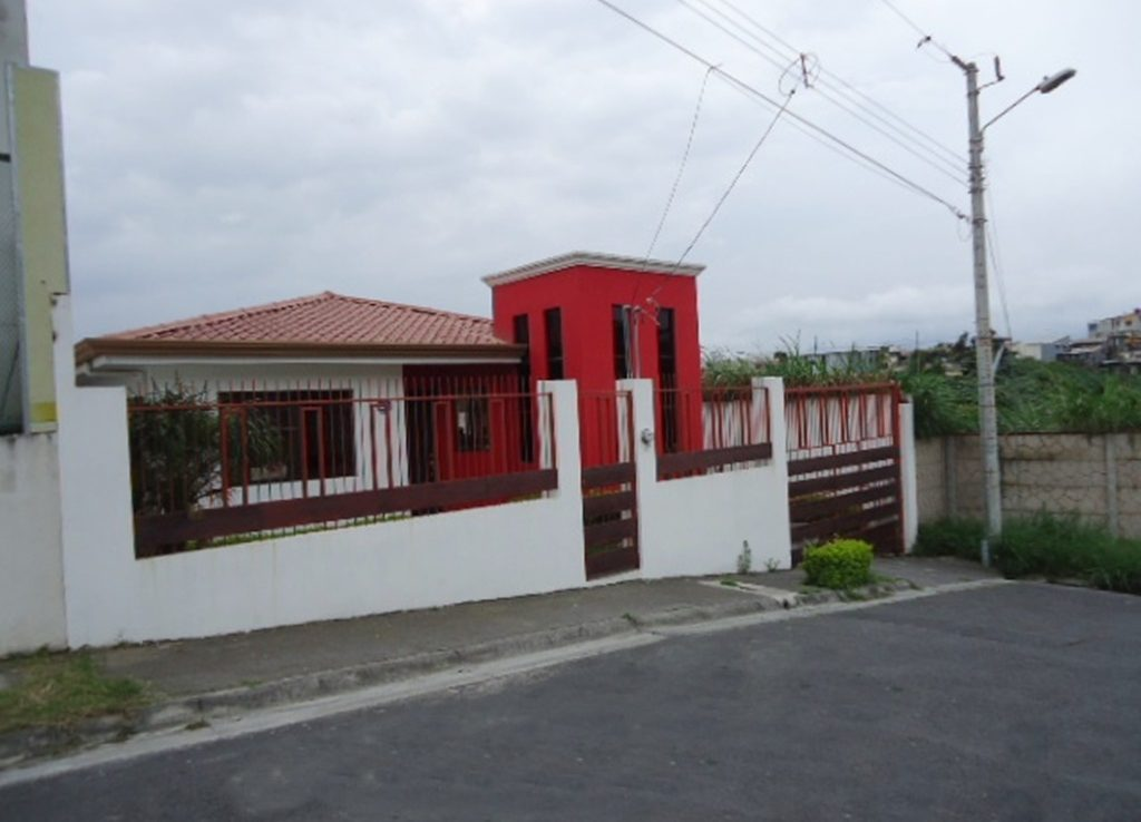 Cozy And Contemporary Home For Sale Near Guadalupe Costa