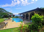 This Atenas home in popular Roca Verde
