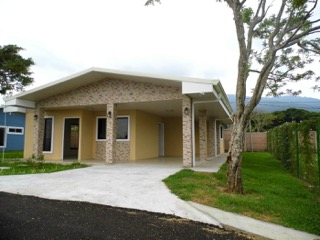 new Grecia home for rent
