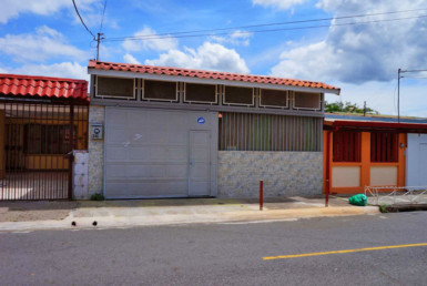 remodeled house for rent in San Francisco de Heredia